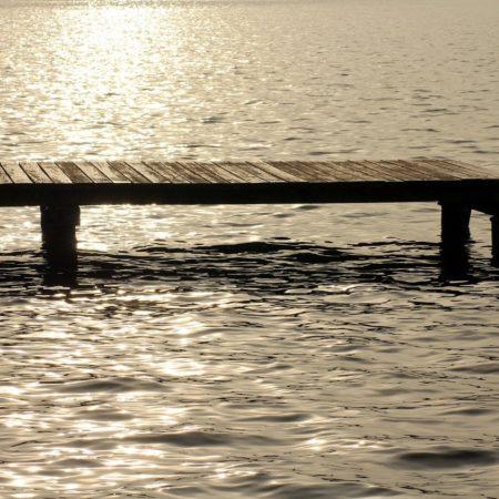 Pomost na jeziorze - jakie pozwolenia