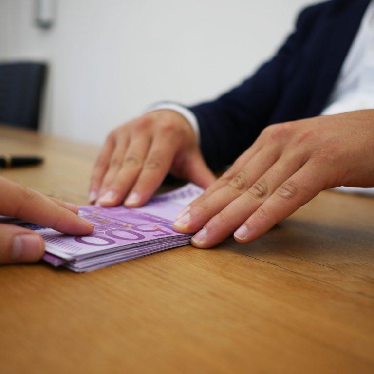 Kredyt na mieszkanie - jak otrzymać?