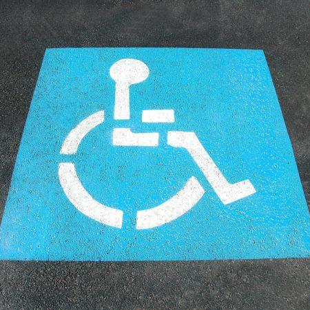 Ile miejsc dla niepełnosprawnych ma zapewnić developer