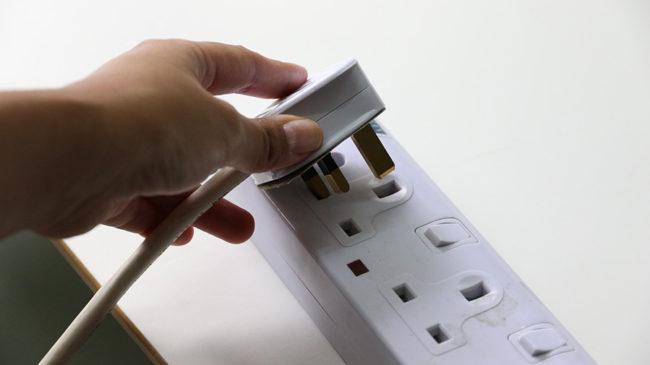 Gniazdka elektryczne od podszewki. Co należy o nich wiedzieć?
