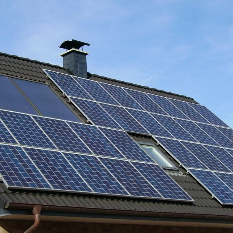 Panele słoneczne - czy warto zainwestować?
