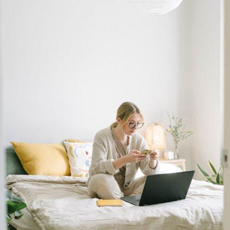 Skuteczne rozwiązania dla pracy zdalnej - ułatw sobie życie w prosty sposób