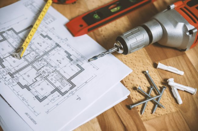 Dlaczego warto zaopatrzyć domowy warsztat w narzędzia pneumatyczne?