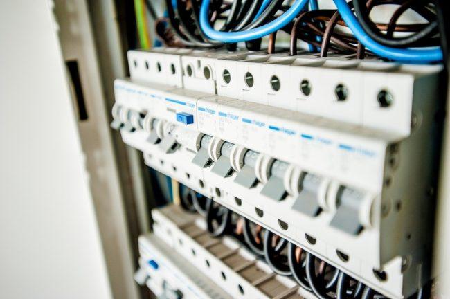 Przewody elektryczne w nowym domu