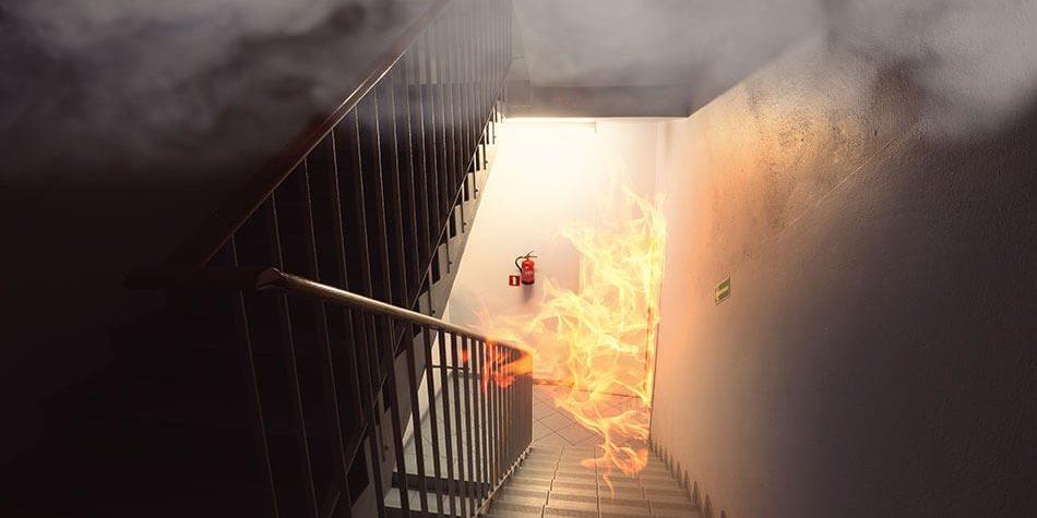 Czy drzwi przeciwpożarowe są objęte obowiązkiem wykonywania przeglądów technicznych?