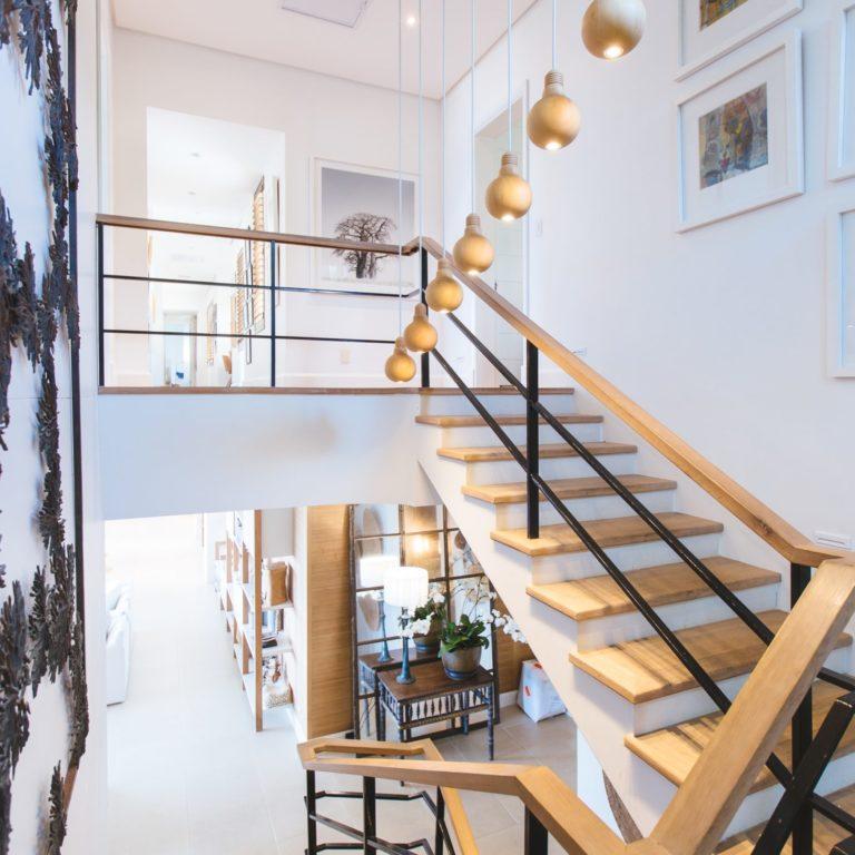 Jak oświetlić klatkę schodową w domu?