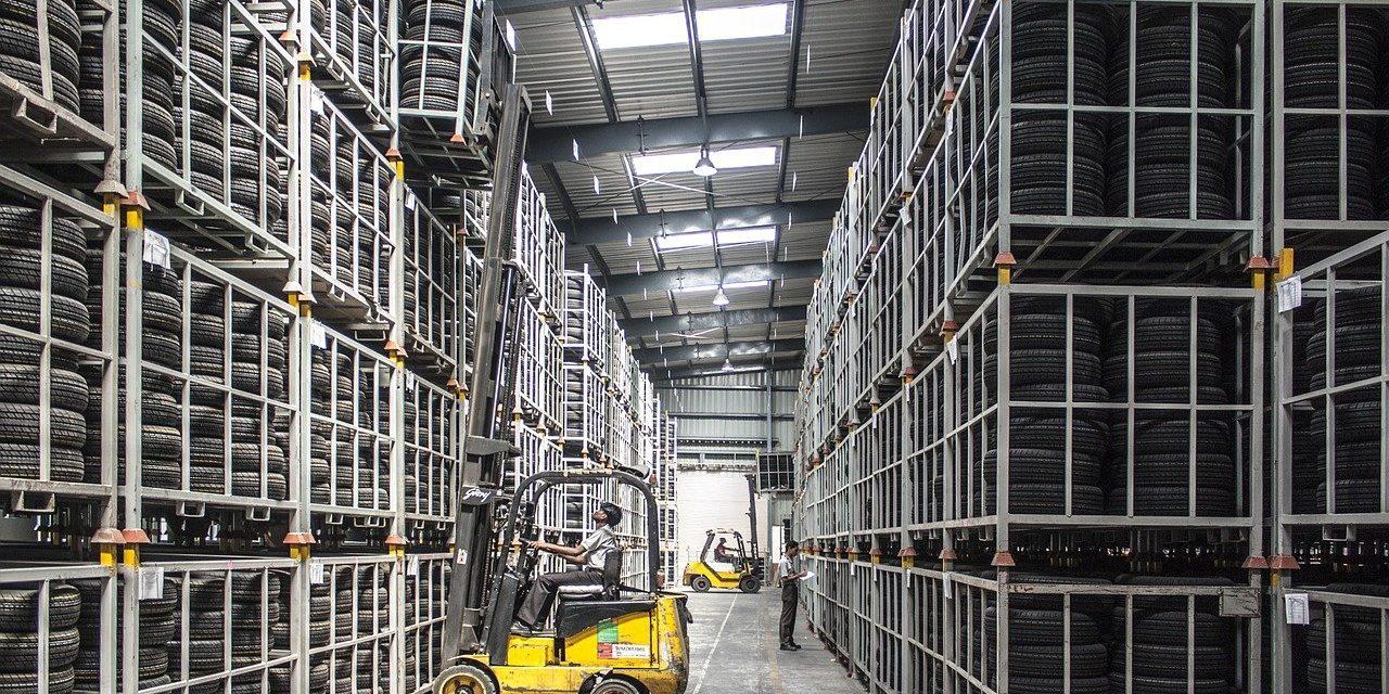 Świetliki dachowe w budynkach przemysłowych