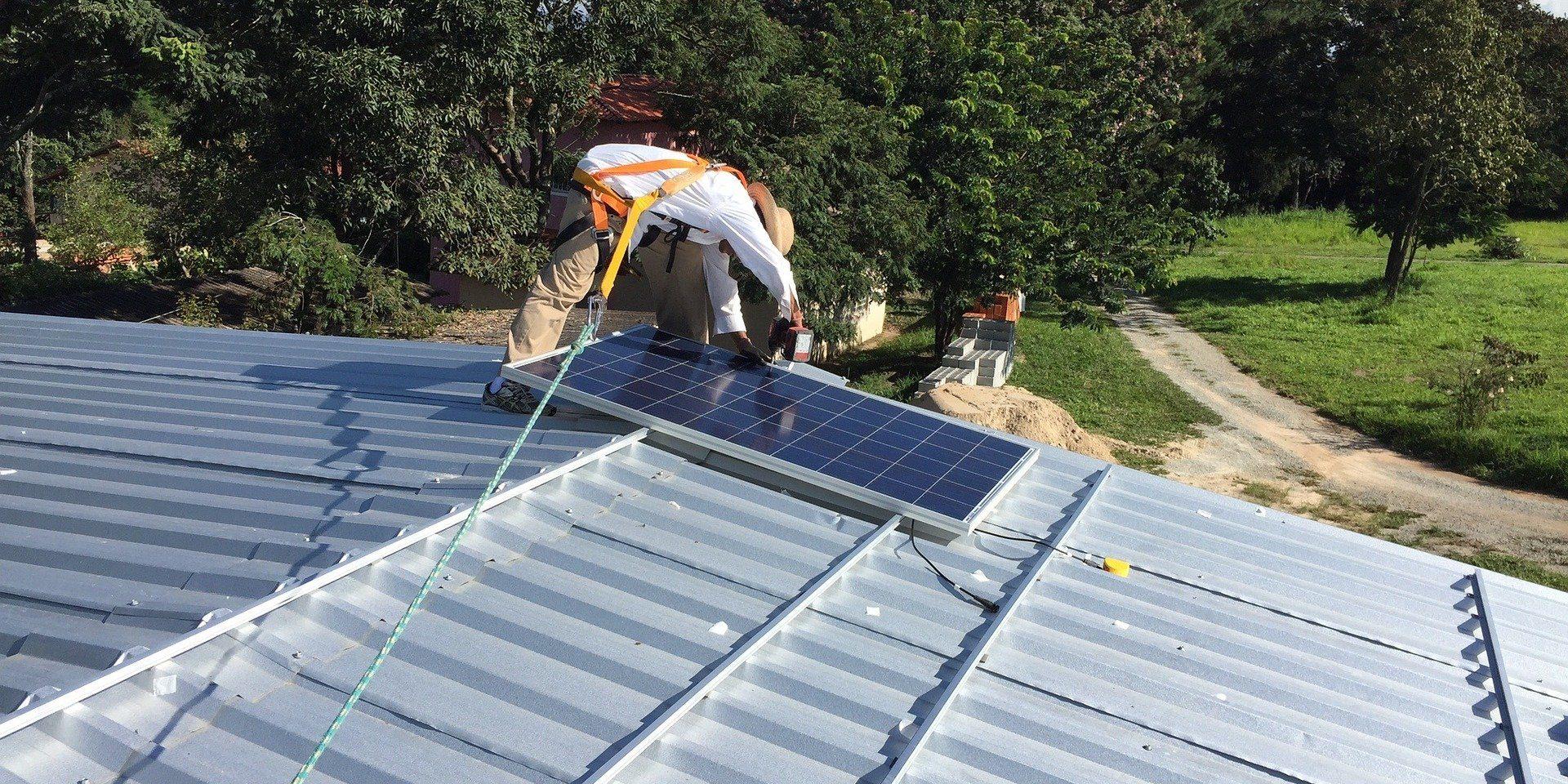 Czy możliwe jest samodzielne zamontowanie paneli słonecznych?