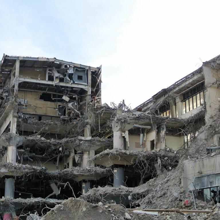Zezwolenia wymagane przy wyburzeniu budynku